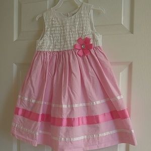Little girl pink and white dress size 3t